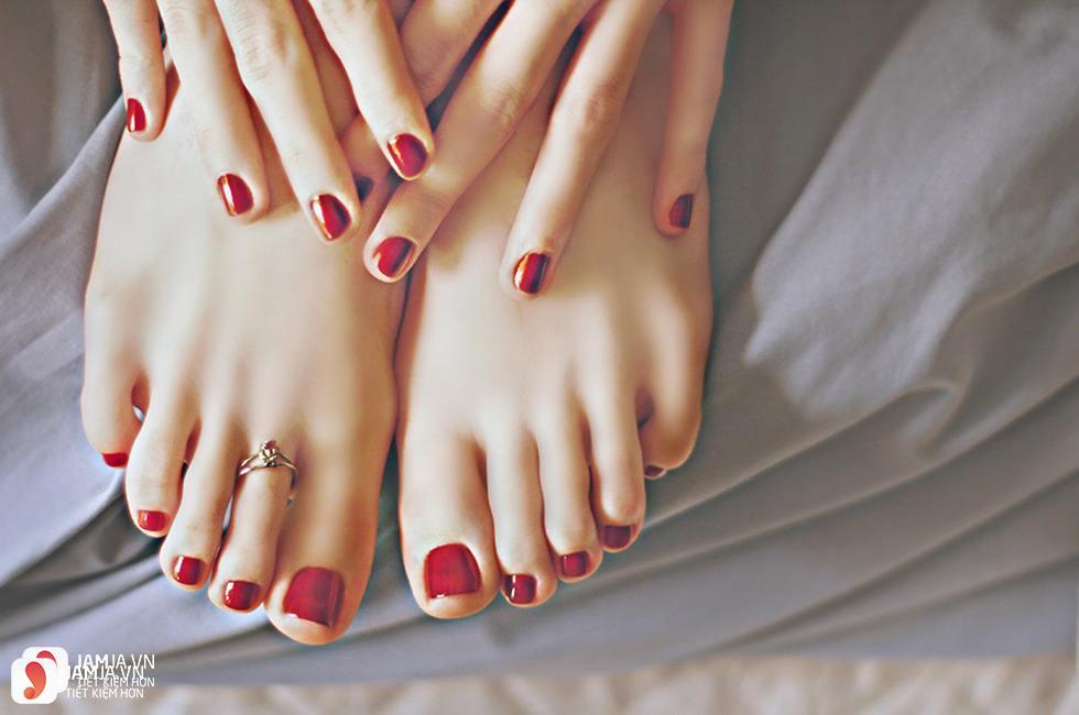 Các màu móng chân đẹp giành cho từng loại da