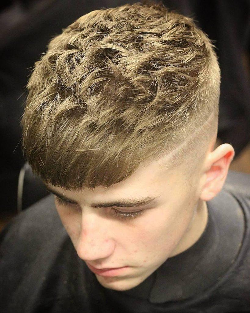 Textured - kiểu tóc hợp với khuôn mặt dài gầy của nam