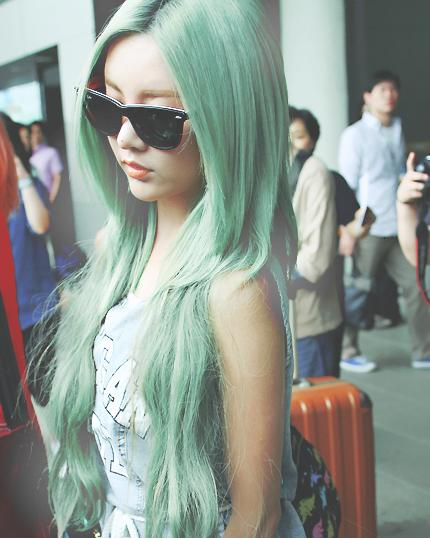 cách nhuộm tóc màu xanh rêu-3