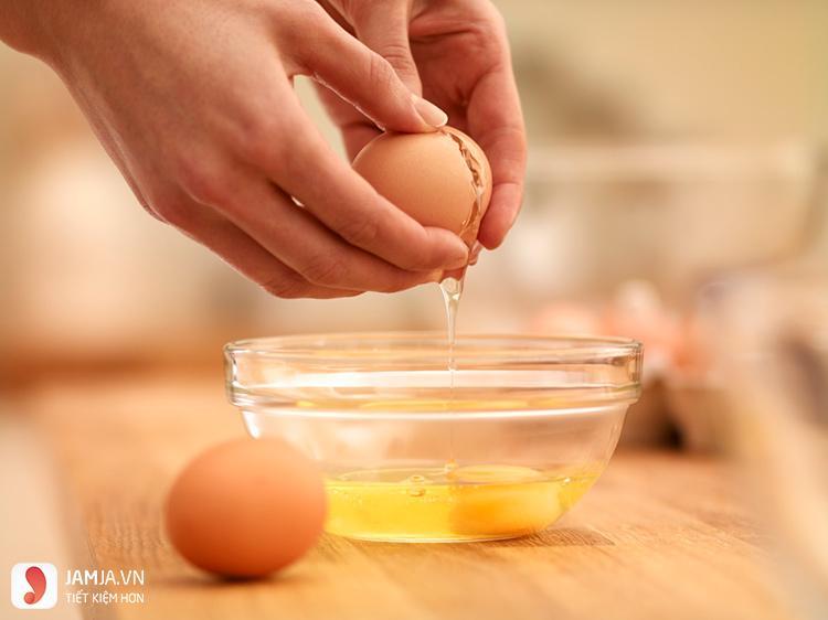 Cách làm se khít lỗ chân lông từ thiên nhiên với trứng gà