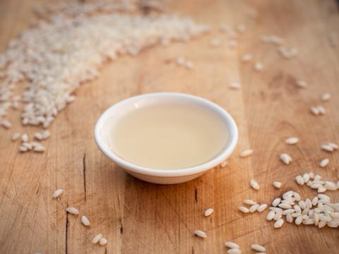 Cách khử mùi hôi ruột heo nhờ nước vo gạo