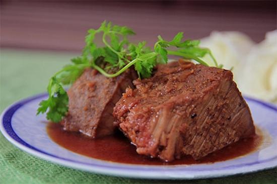 Hướng dẫn bạn cách nấu thịt hộp kiểu miền Bắc đơn giản nhất