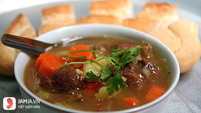 Cách nấu thịt trâu sốt vang-1