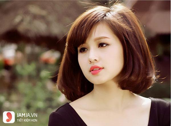 Kiểu tóc mái hợp với khuôn mặt tròn béo, bầu bĩnh