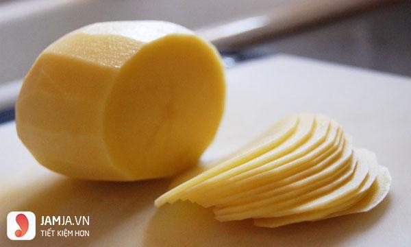 Mặt nạ khoai tây thu nhỏ lỗ chân lông