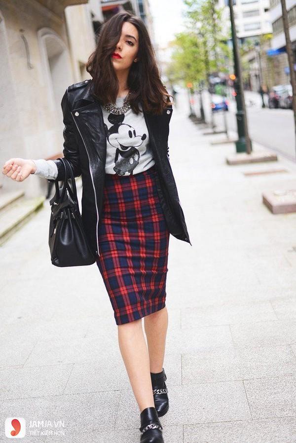 Chân váy bút chì kết hợp áo khoác da