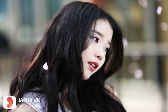 tóc đen dài xoăn đẹp-2