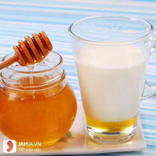 Bôi mật ong lên môi sau khi xăm2