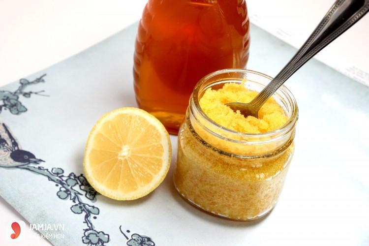 Cách trị thâm môi bằng mật ong 2