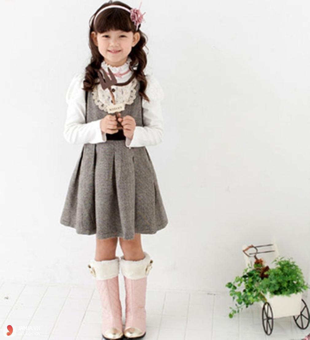 Chọn váy cho bé 10 tuổi mùa đông