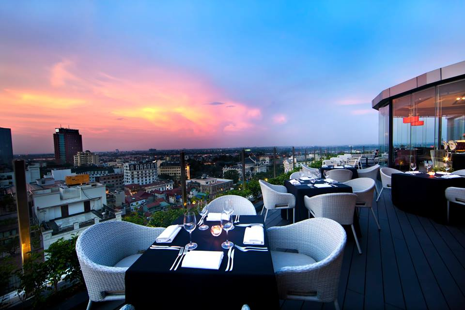 The Rooftop Bar Hanoi 1