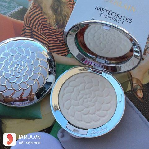 Guerlain Meteorites Compact UV Shield Pressed Powder 2