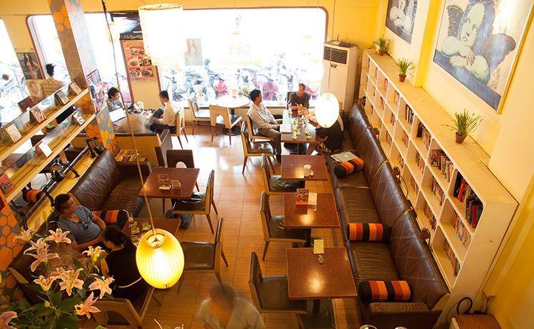 Ciao Cafe Sách