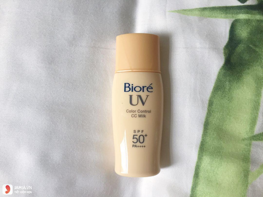 Biore UV Color Control CC Milk 3