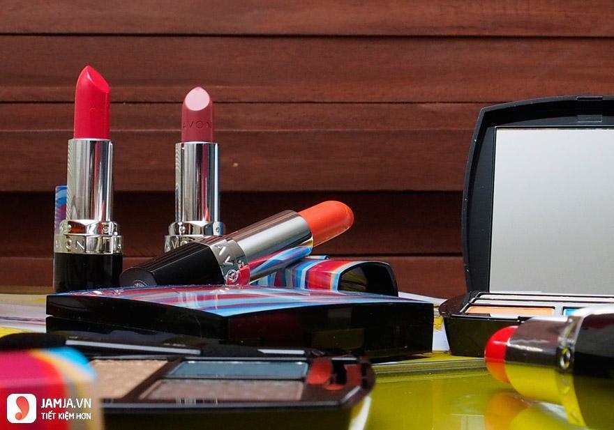Độ lên màu của son Avon Perfectly Matte Lipstick Line