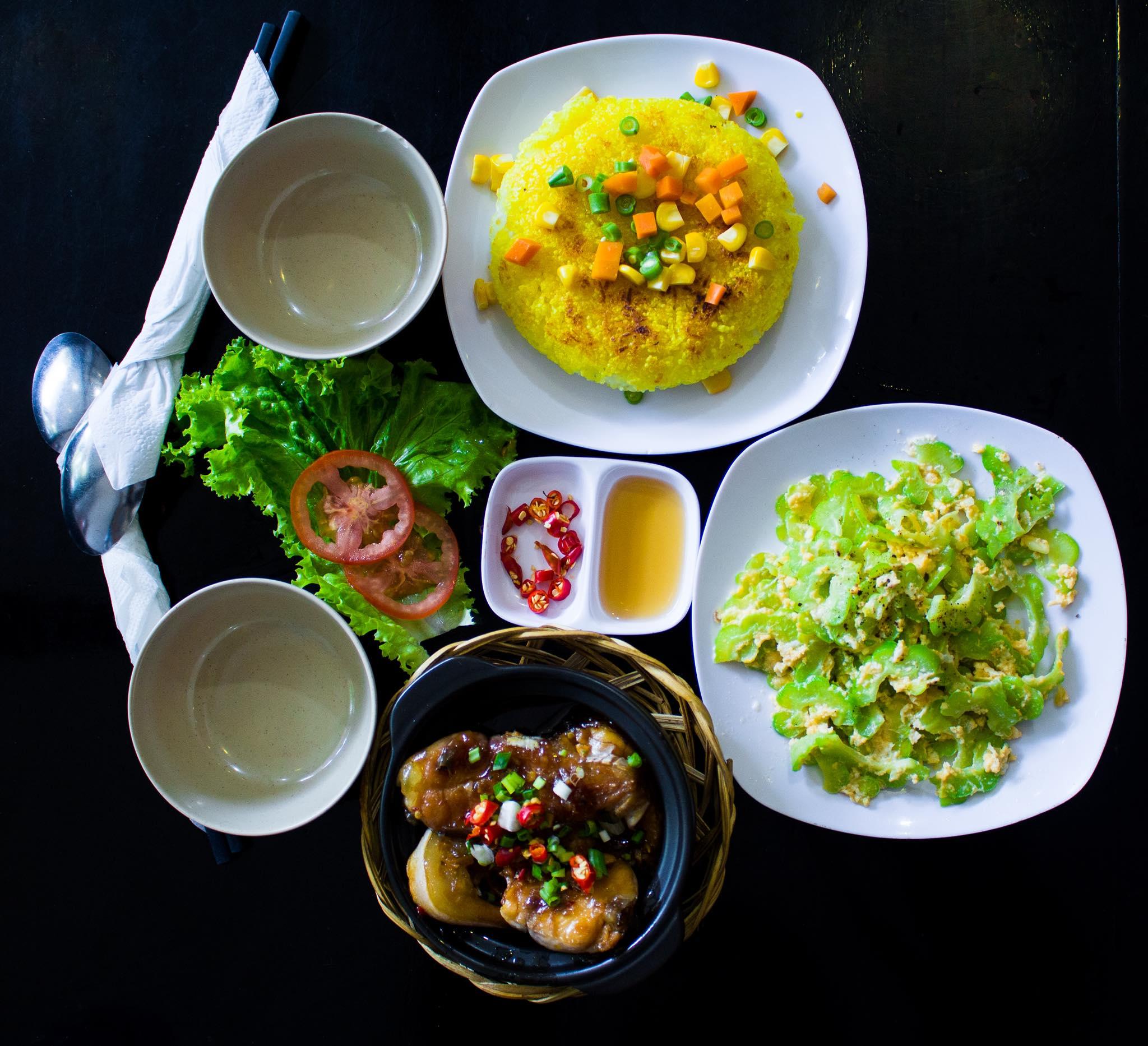 Thiên Lý - Cơm Niêu Singapore menu