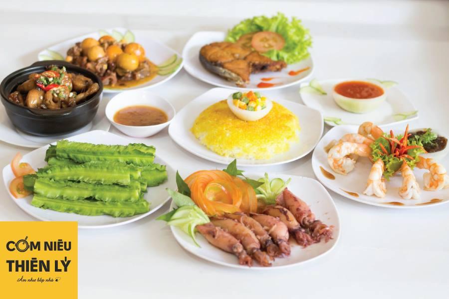 Thiên Lý - Cơm Niêu Singapore món ăn