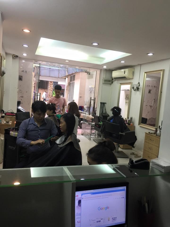 không quan tiệm cắt tóc Vũ Hair Salon