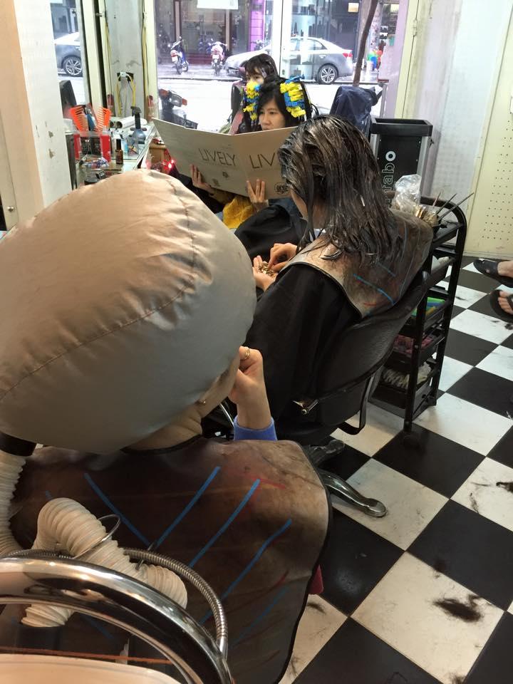không quan tiệm cắt tóc Vũ Hair Salon 1