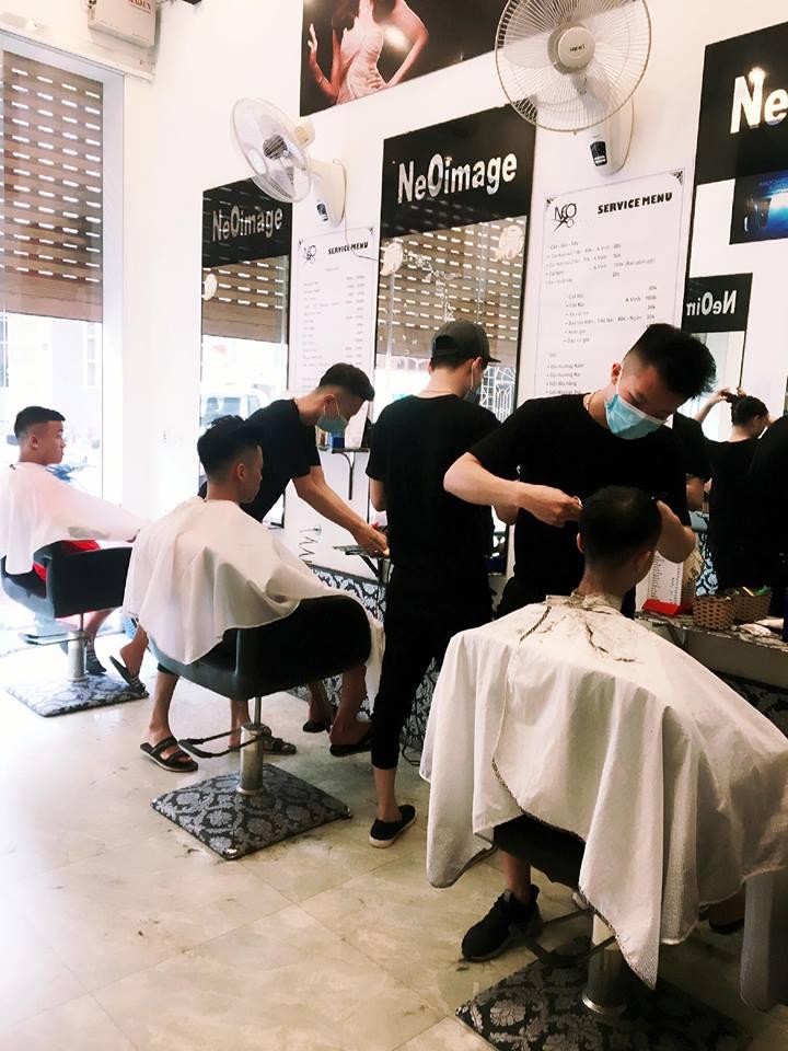 nhân viên cắt tóc Salon Neo Image